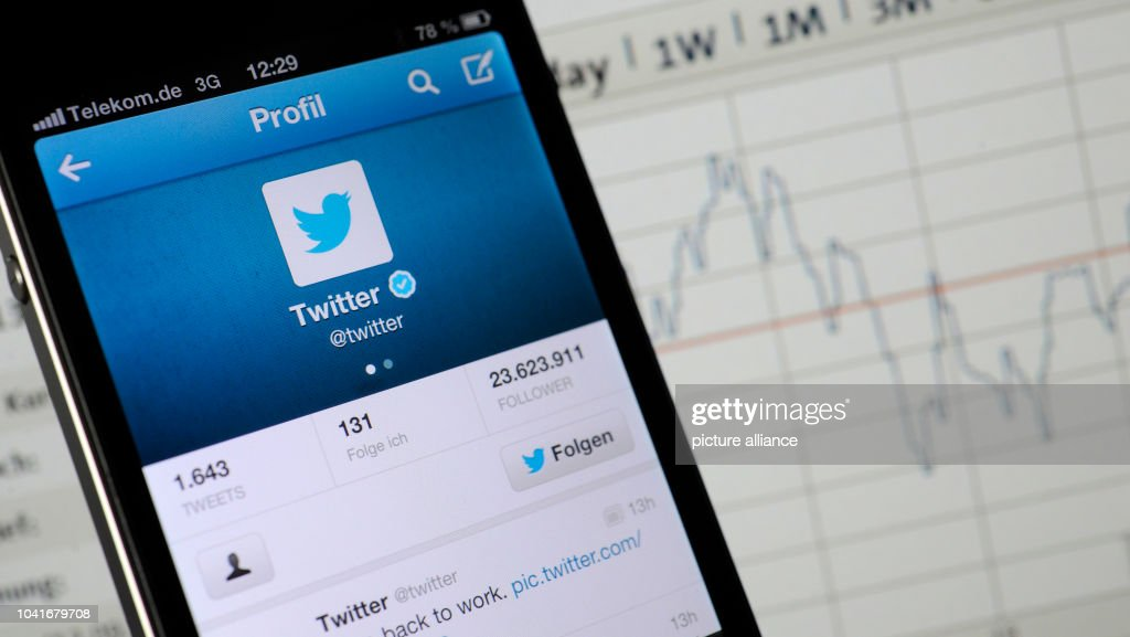 ILLUSTRATION - An account of Twitter featured on a smart