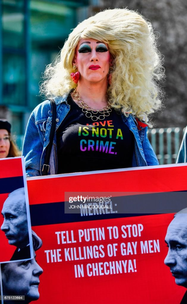GERMANY-RUSSIA-RIGHTS-GAYS-DIPLOMACY : News Photo