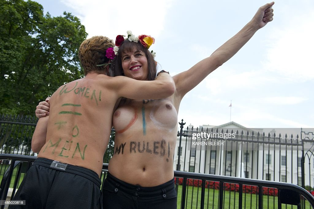 US-RIGHTS-WOMEN-GOTOPLESS : News Photo