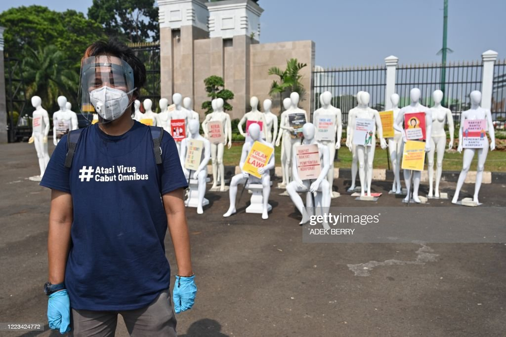 INDONESIA-ENVIRONMENT-LABOUR-LAW : ニュース写真