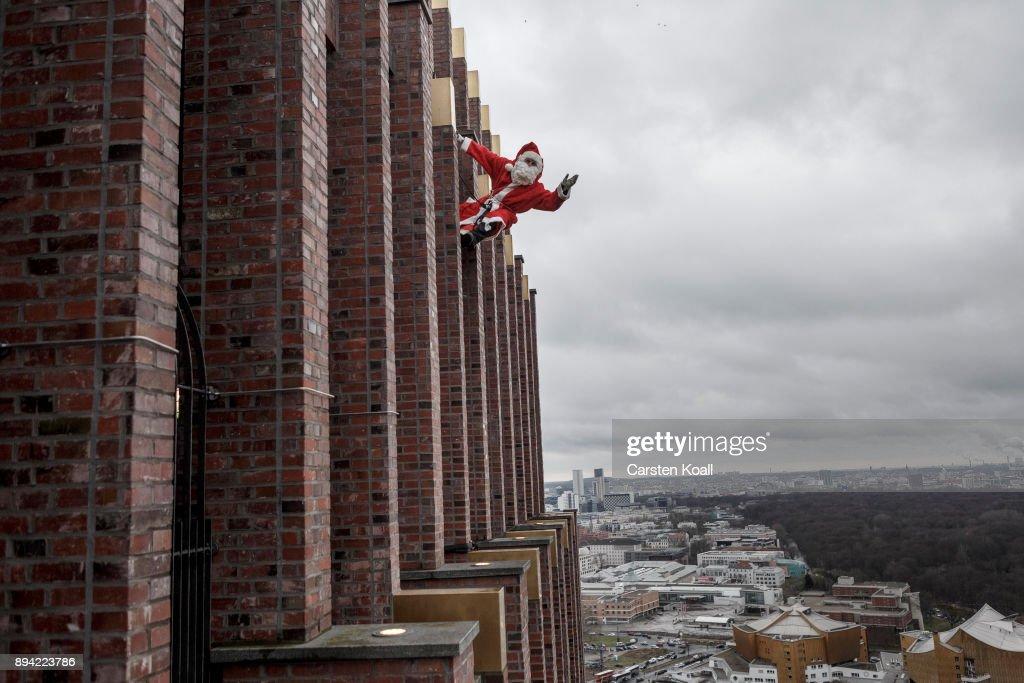 Santa Claus Lands On Kollhoff Tower : News Photo