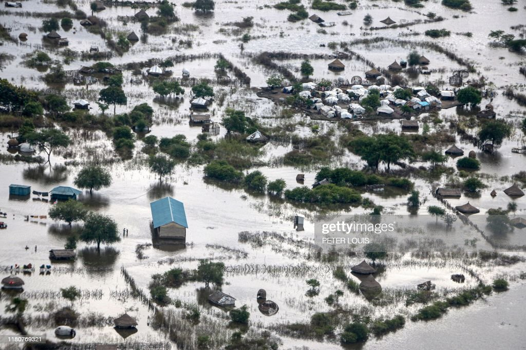 TOPSHOT-SOUTH SUDAN-FLOOD-DISASTER-CLIMATE : News Photo