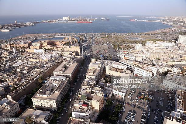 An aerial shot taken from a helicopter shows the Libyan capital Tripoli on February 25, 2016. / AFP / MAHMUD TURKIA