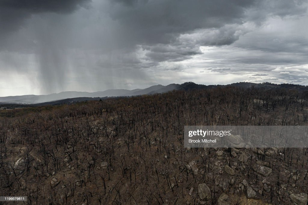 Storm Front Heads For Tamworth : News Photo