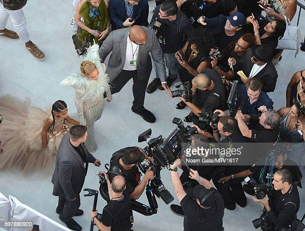An aerial view Beyonce and Blue Ivy Carter arriving to the 2016 MTV Video Music Awards at Madison Square Garden on August 28, 2016 in New York City.