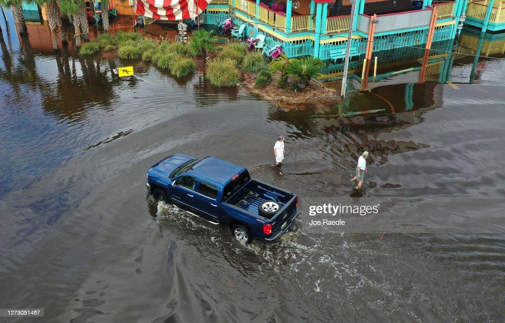 Hurricane Sally Makes Landfall On Gulf Coast : News Photo