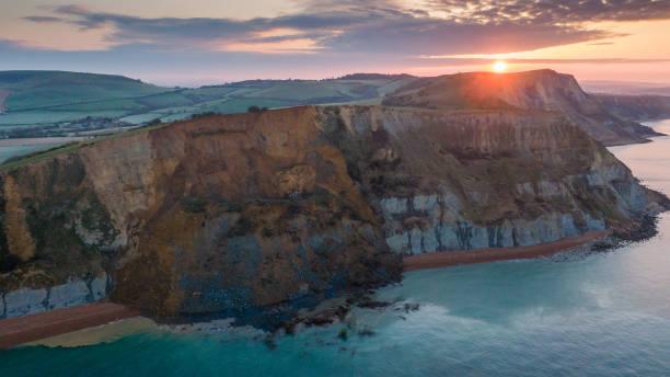 GBR: Jurassic Coast 4,000 Ton Rockfall