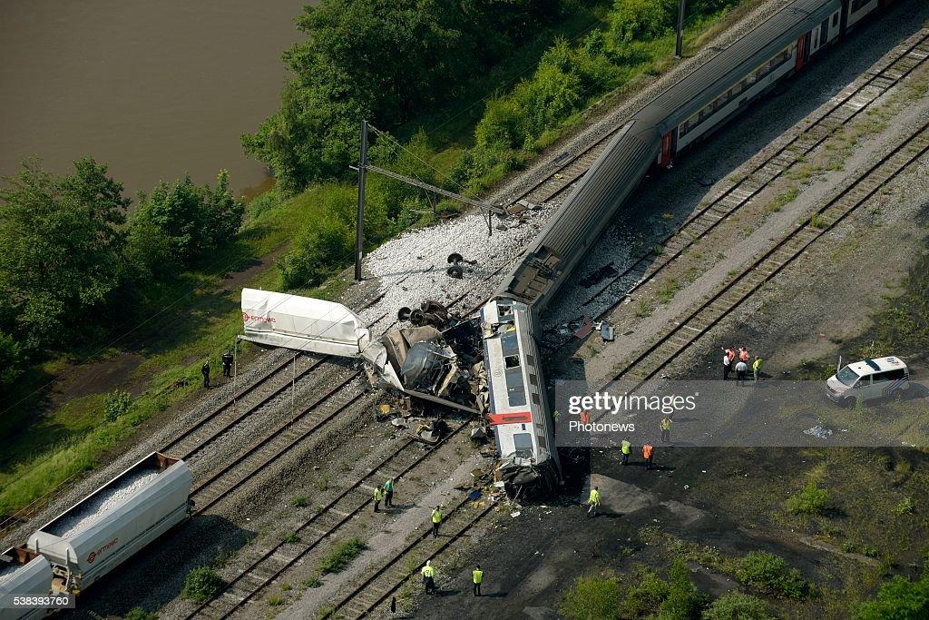 Three Dead In Belgian Train Crash : ニュース写真