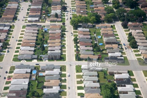 An aerial view of a neighborhood in Chicago