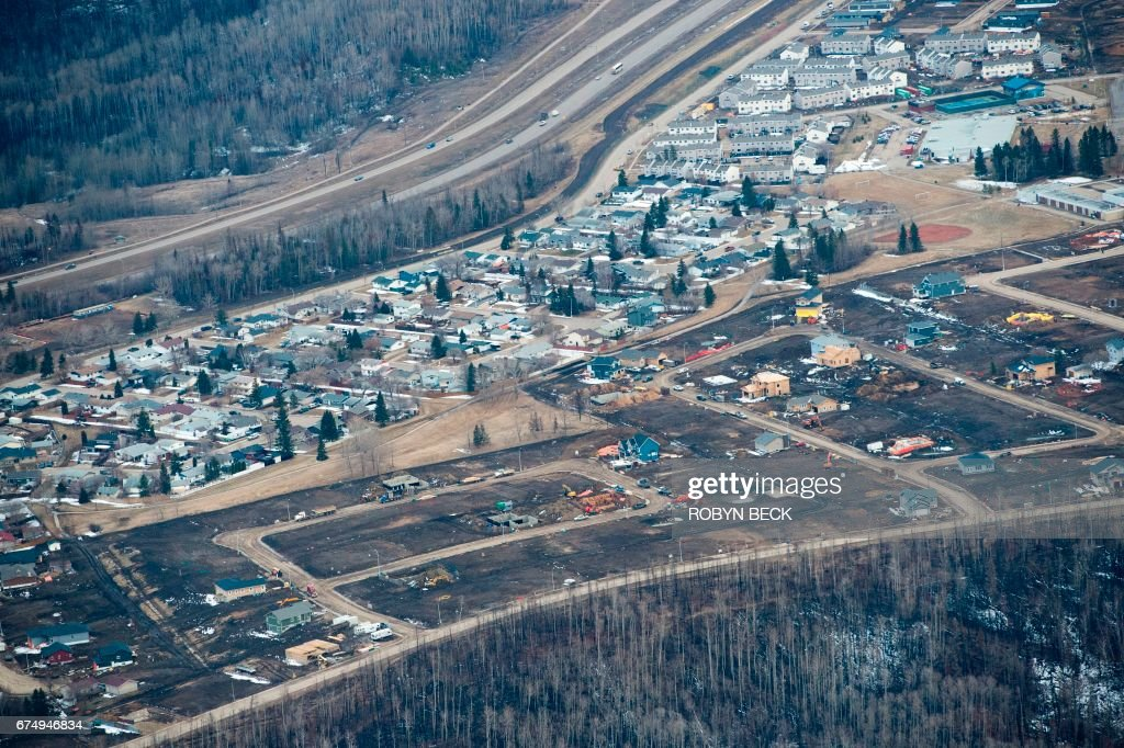 CANADA-FIRE-RECONSTRUCTION-EMERGENCY-FORESTS-OIL-EVACUATION : News Photo
