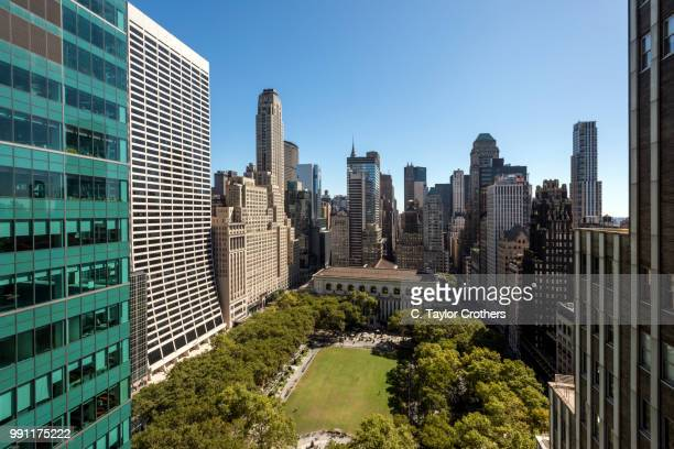 an aerial view of bryant park in new york city - ブライアント公園 ストックフォトと画像