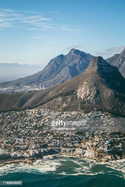 an aerial view of cape town - hoofdstad stockfoto's en -beelden