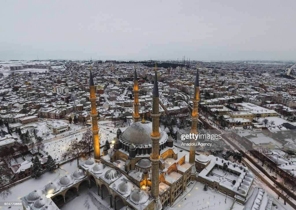 Selimiye Mosque after snowfall : News Photo