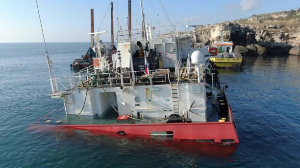 BGR: Sunk ship-Kamen Brqg
