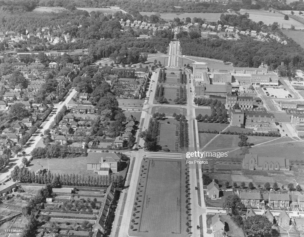 An aerial view of Welwyn Garden City, Hertfordshire, circa 1960.