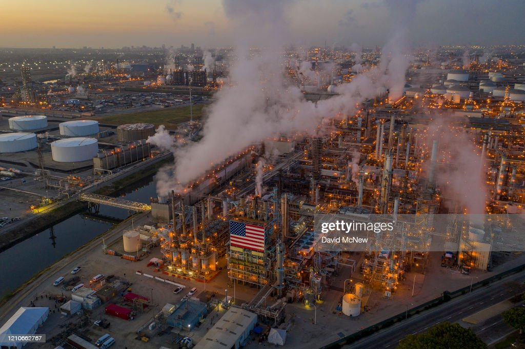 Oil Prices Trade In Negative Numbers For First Time Amid Global Oil Glut : News Photo