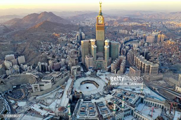 32 054 Mecca Photos And Premium High Res Pictures Getty Images