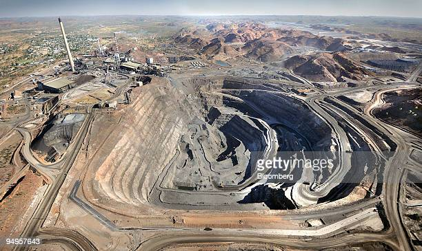 An aerial view shows the Super Pit and mining operations at Xstrata Plc's Mt Isa mine in Mount Isa Queensland Australia on Tuesday Sept 15 2009...
