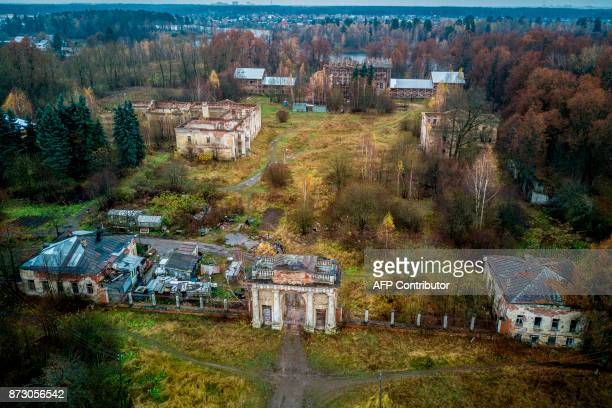 An aerial view taken with a drone on October 30 2017 shows the neglected estate of Grebnevo east of Moscow / AFP PHOTO / Andrei BORODULIN / TO GO...