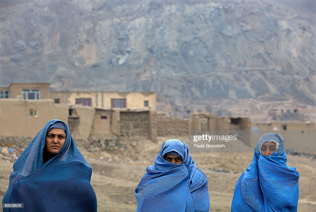 CARE Distributes Winter Rations to Afghan Widows : ニュース写真