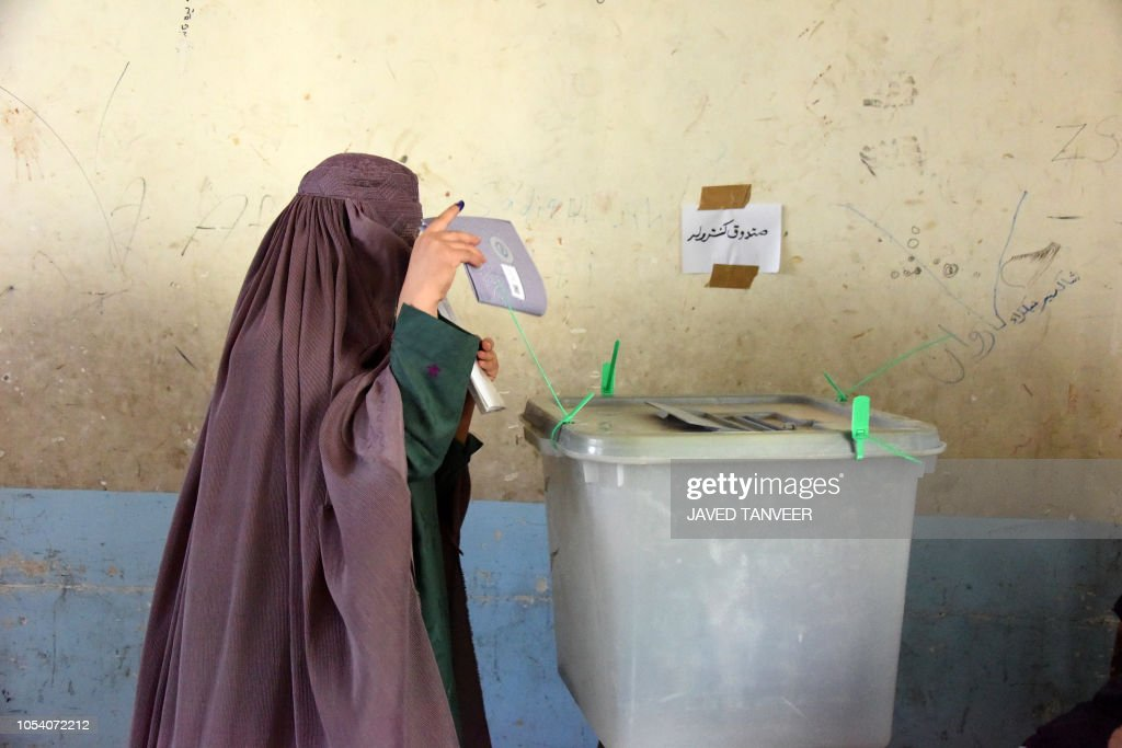 TOPSHOT-AFGHANISTAN-UNREST-ELECTION-VOTE : News Photo