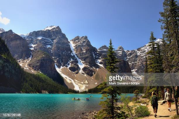 an afternoon out at the valley of the ten peaks - valley of the ten peaks stock pictures, royalty-free photos & images