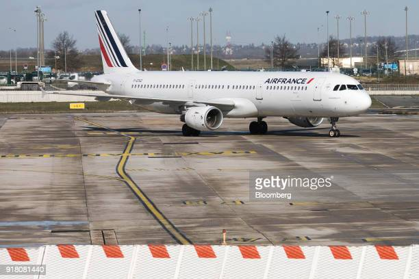 An Air France Airbus A321 aircraft operated by Air FranceKLM Group taxis on the tarmac at Charles de Gaulle airport operated by Aeroports de Paris in...