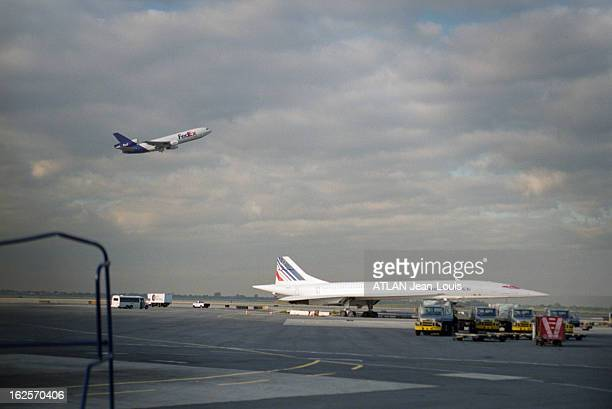 An Air France Concorde Grounded On Jfk Airport In New York Since July 25Th The Day Of Gonesse Accident 7 Septembre 2000 NewYork un avion Concorde d'...