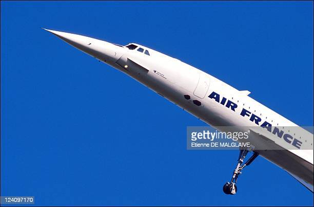 An Air France Concorde takes off on its first flight with passengers since the crash of Concorde Flight 4590 Chateauroux France September 11 2001 All...