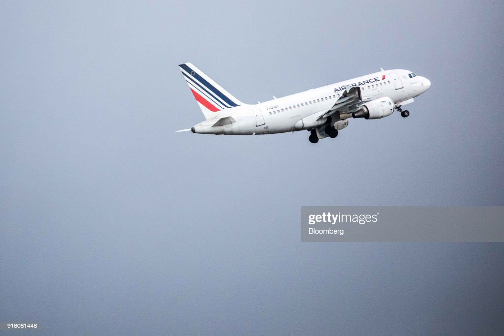 An Air France passenger aircraft, operated by Air France-KLM Group, takes off from Charles de Gaulle airport, operated by Aeroports de Paris, in Paris, France, on Monday, Feb. 12, 2018. Air France will report its full year earnings on Feb 16. Photographer: Christoph Morin/Bloomberg via Getty Images