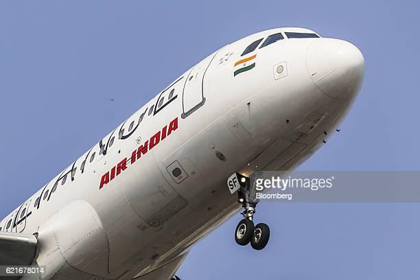 An Air India Ltd aircraft prepares to land at Chhatrapati Shivaji International Airport in Mumbai India on Monday Nov 7 2016 Staterun Air India saw...