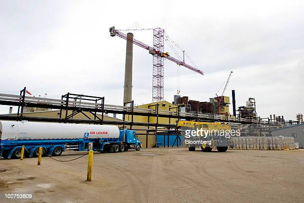 An Air Liquide truck is parked at the Syncrude Canada Ltd oil sands processing facility in Fort McMurray Alberta Canada on Tuesday June 29 2010 The...