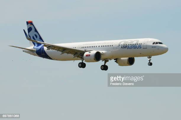 An Airbus A321 NEO aircraft performs a flying display on the opening day of the 52nd International Paris Air Show at Le Bourget on June 19 2017 in Le...
