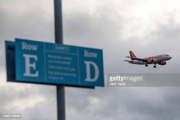 An aircraft comes in to land as the runway is reopened at Gatwick Airport on December 21 2018 in London England Authorities at Gatwick have reopened...