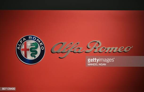 An Alfa Romeo logo is seen at the 2016 Washington Auto Show on January 27 2015 in Washington DC / AFP / Mandel Ngan