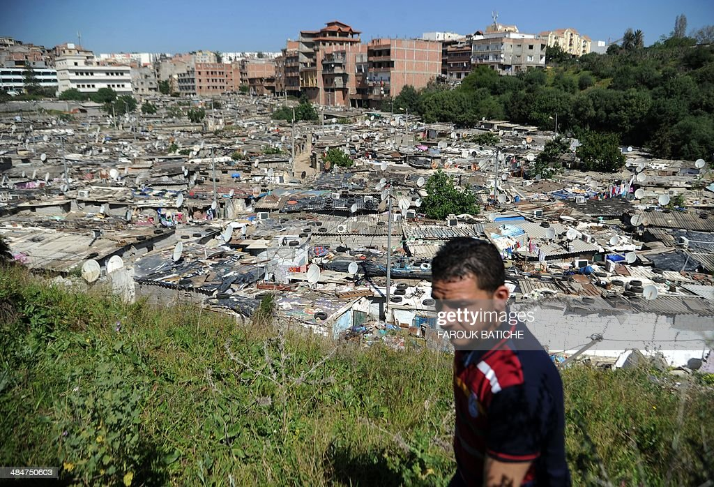 ALGERIA-VOTE-ECONOMY-CORRUPTION : News Photo