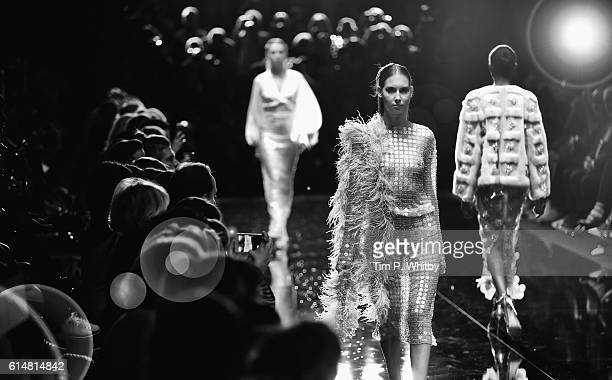 An alternative view of a models walking the runway at the Ozgur Masur show during MercedesBenz Fashion Week Istanbul at Zorlu Center on October 12...