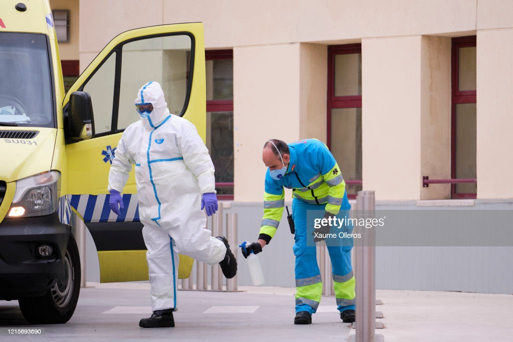 Spain Extends Stricter Coronavirus Lockdown As Death Toll Continues To Rise : News Photo