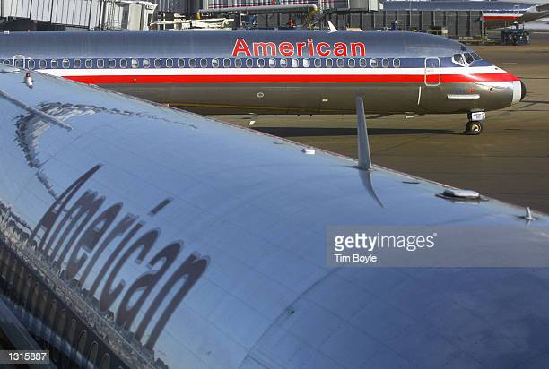 An American Airlines jet taxis as it prepares to take off January 8 2001 at Chicago''s O''Hare International Airport A White House statement released...