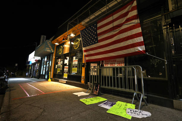 NY: Staten Island Bar Becomes Flashpoint For Pushback On City's Covid Restrictions On Businesses