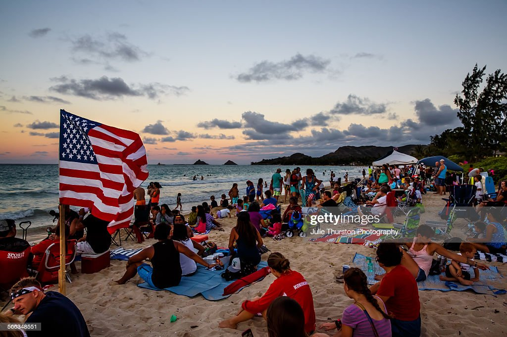 Watching The 4th : News Photo