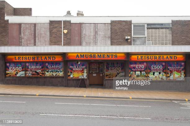 an amusements arcade in the city centre of bradford, west yorkshire, uk - bradford england stock pictures, royalty-free photos & images
