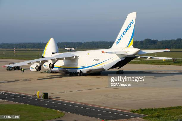 An An124 being loaded from the front with cargos at Eindhoven airport