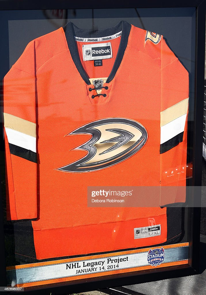 newest 97002 345bc An Anaheim Ducks jersey on display during the 2014 NHL ...