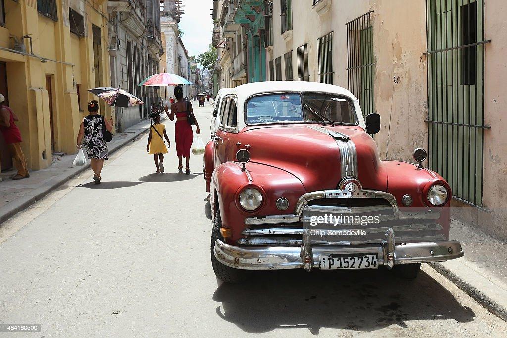 The Vibrant Vintage Cars of Cuba Photo Album | Getty Images
