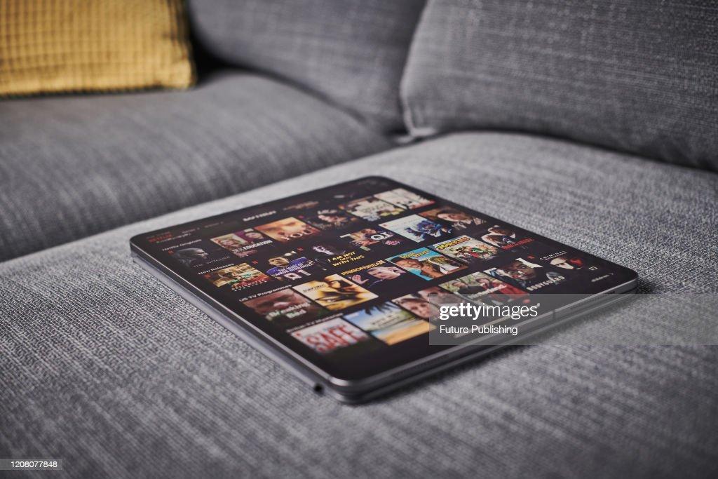 Watching Netflix On iPad : ニュース写真