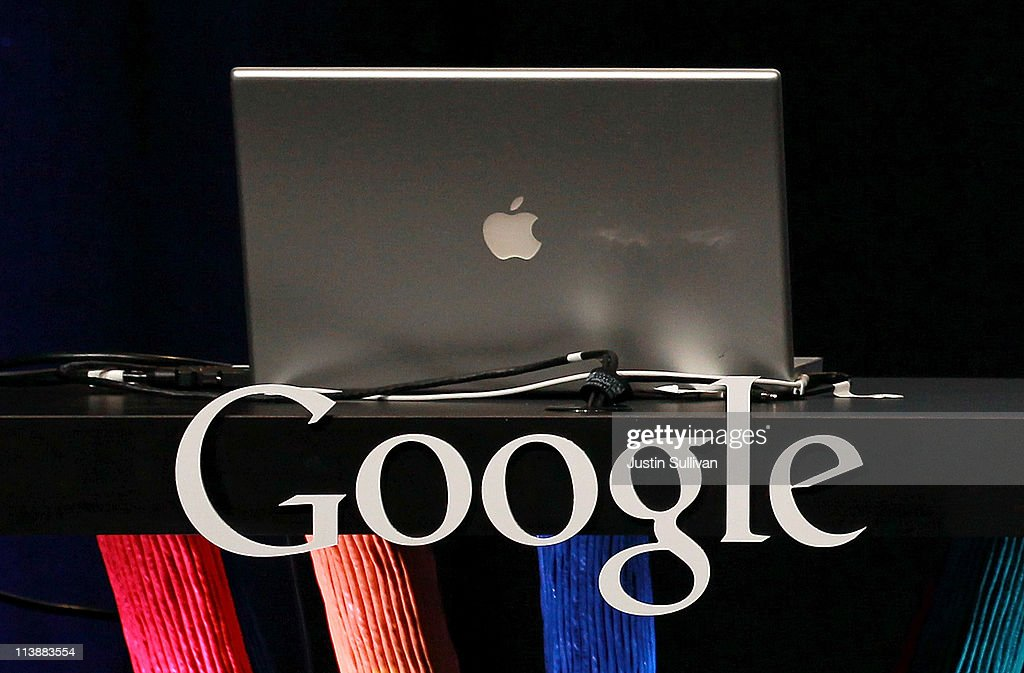 Apple Overtakes Google As World's Most Valuable Brand : News Photo