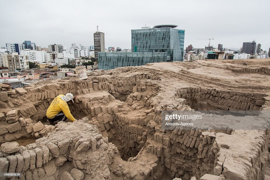 1000-Year-Old Tomb Found In Peru : Fotografía de noticias