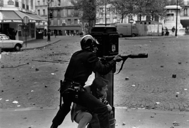UNS: Daily Express Photographer Reg Lancaster Dies