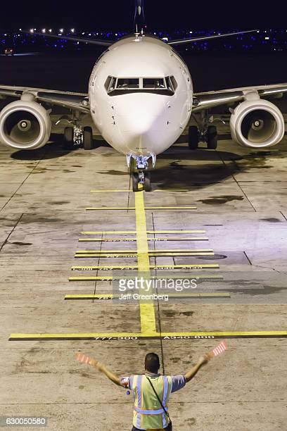 An arriving flight at the Honolulu International Airport